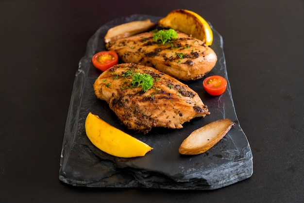 Bistecca di pollo alla griglia