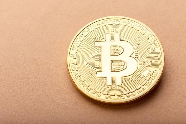 Bitcoin dorato lucido