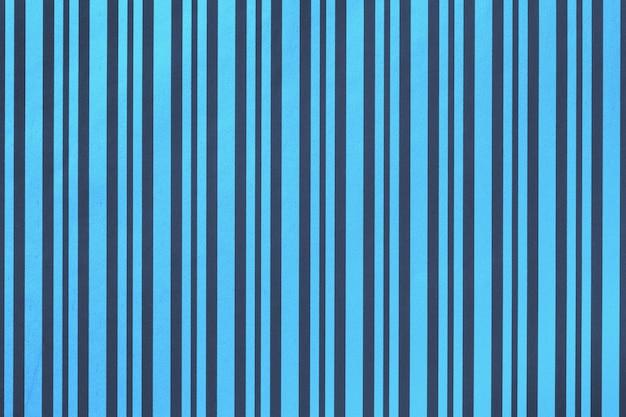 Blu navy dalla confezione di carta a strisce.