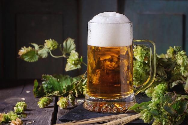 Boccale di birra chiara