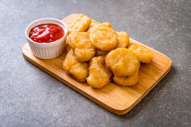 Bocconcini di pollo con salsa