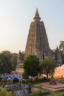 Bodhgaya e bodh gaya sono un sito religioso del buddismo