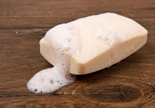 Bolla di sapone bianca di isolamento