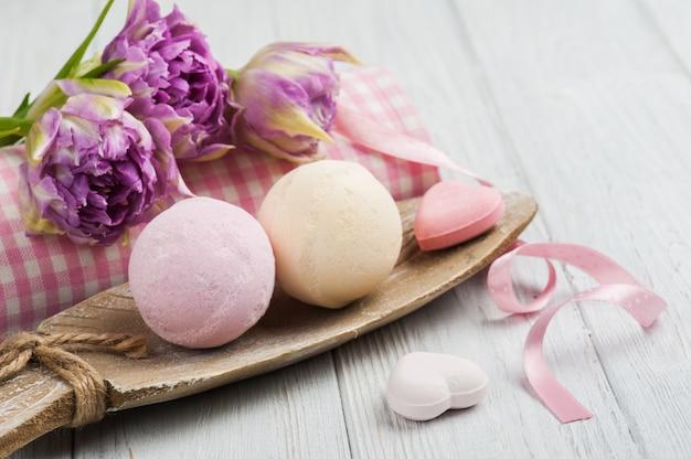 Bombe da bagno alla vaniglia e alla fragola