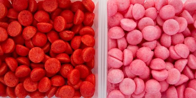 Bonbon fragole rosse e rosa