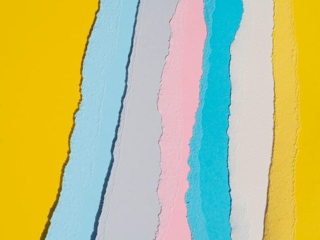 Bordi di carta strappati astratti verticali