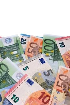Bordo verticale di varie banconote in euro