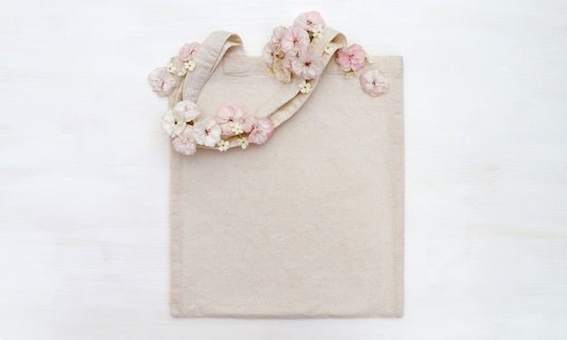 Borsa shopping con fiori