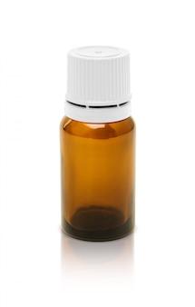 Bottiglia cosmetica di imballaggio in bianco del siero isolata su fondo bianco