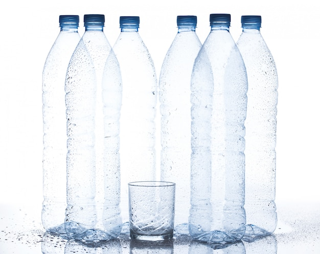 Bottiglia d'acqua vuota