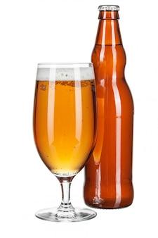 Bottiglia di birra e bicchiere di birra