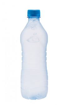 Bottiglia di plastica con bolle d'acqua congelata