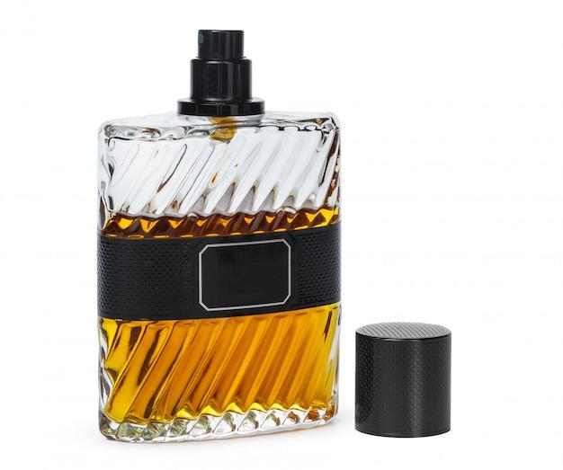 Bottiglia di profumo isolata su fondo bianco