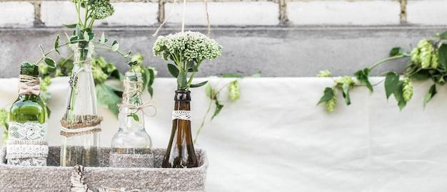 Bottiglie di decorazioni di nozze