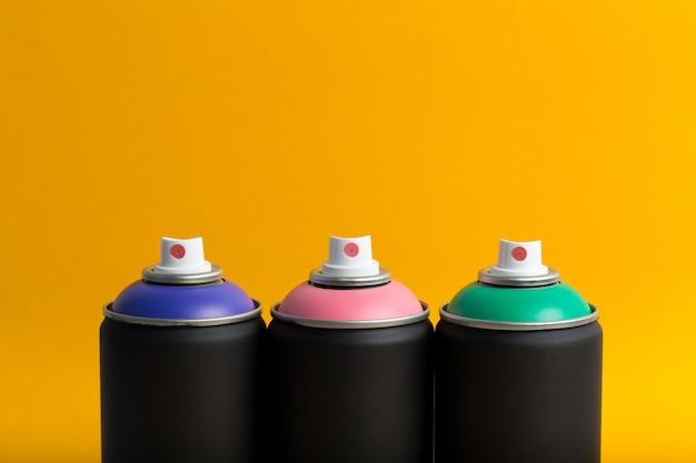 Bottiglie spry, arte di strada