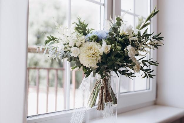 Bouquet da sposa bellissimo rustico