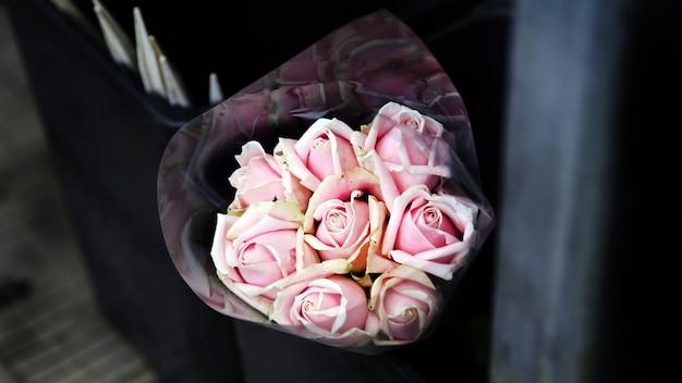 Bouquet di belle rose rosa