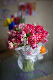 Bouquet di tulipani rosa chiaro