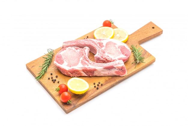 Braciola di maiale cruda
