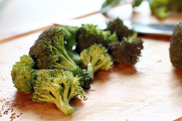 Broccoli verdi freschi