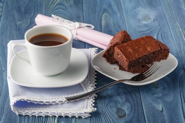 Brownie al cappuccino e cioccolato