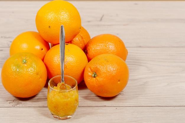 Brunch di arance e marmellate