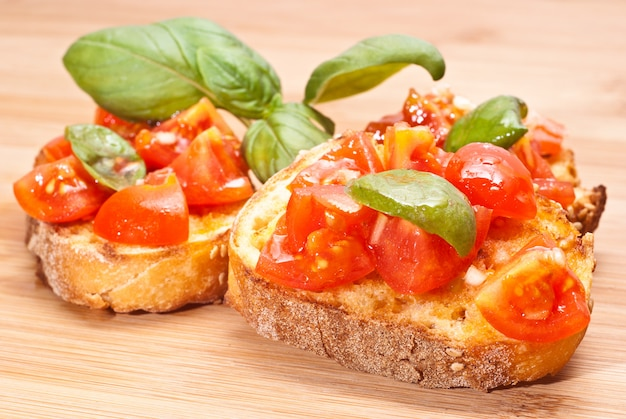 Bruschette, antipasto italiano