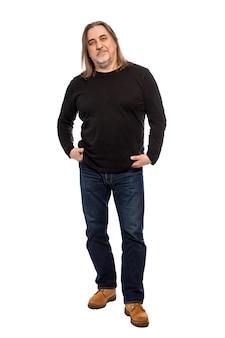 Brutale maschio adulto, a figura intera. verticale. isolato su uno sfondo bianco.