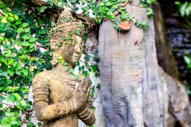Buddismo per statue o modelli del ritratto di buddha