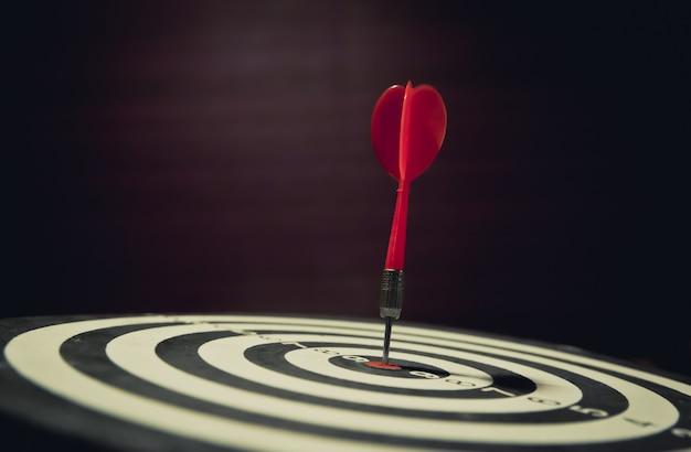 Bullseye è un obiettivo del focus aziendale e del concetto vincitore del vincitore.