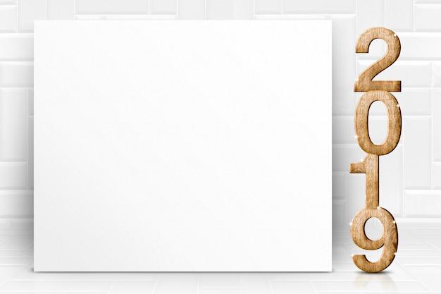 Buon anno 2019 con la cartolina d'auguri bianca in bianco del manifesto nello studio bianco delle mattonelle di prospettiva