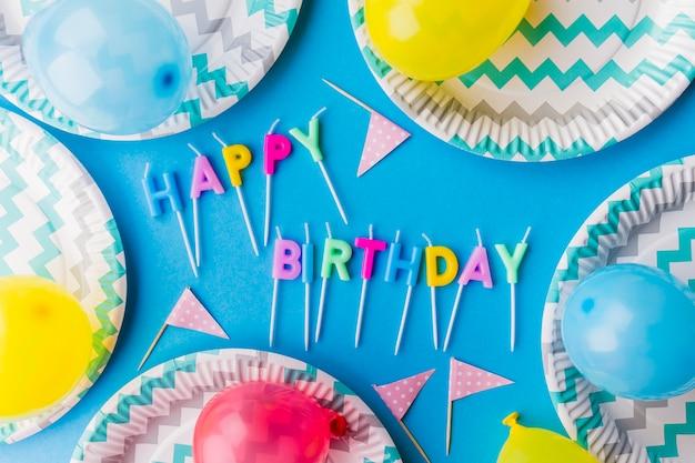 Buon compleanno scritto da candele