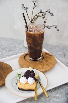 Burberry cheese cake e glass glass glass al cacao si concentrano sulla classe