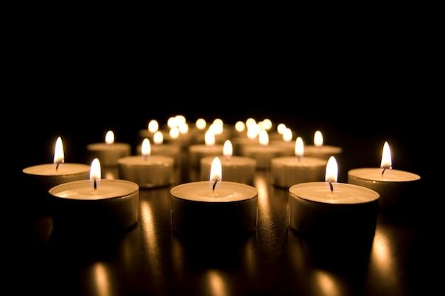 Burning candele