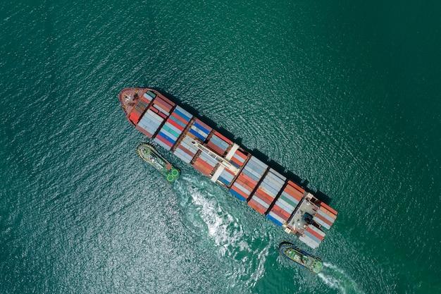 Business logistica container cargo nave-spavento e import export internazionale open sea