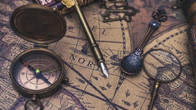 Bussola articoli vintage sulla mappa