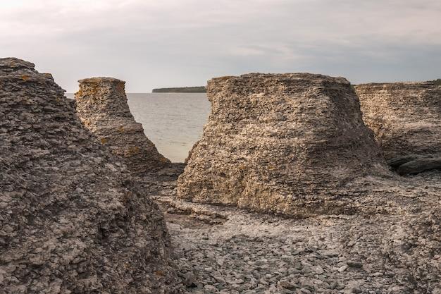 Byrum raukar nell'oland svedese dell'isola: spettacolari formazioni calcaree.