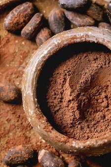 Cacao in polvere in una ciotola