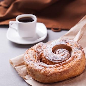 Caffè e biscotti mattutini