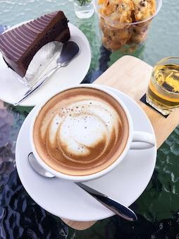 Caffè e torta di cioccolato