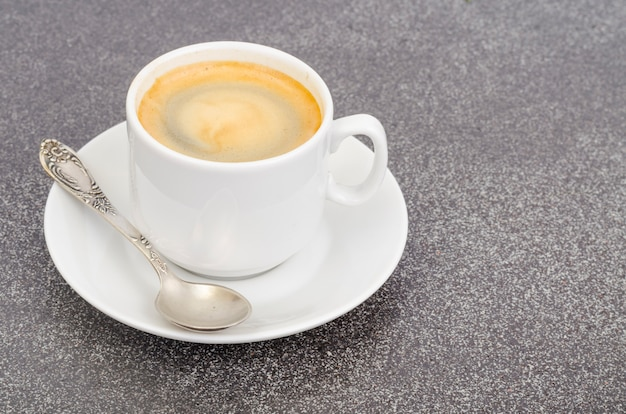Caffè espresso bianco con schiuma