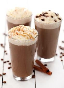 Caffè freddo con panna montata