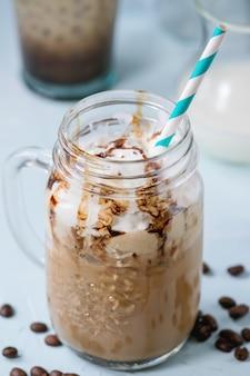 Caffè freddo con panna