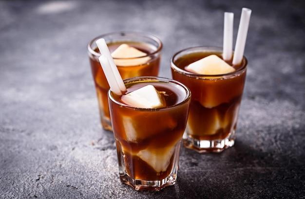 Caffè ghiacciato con latte ghiacciato