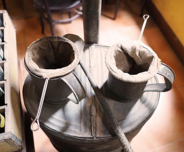 Caffettiere thailandesi di vecchio stile