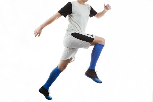 Calciatore con calzini blu