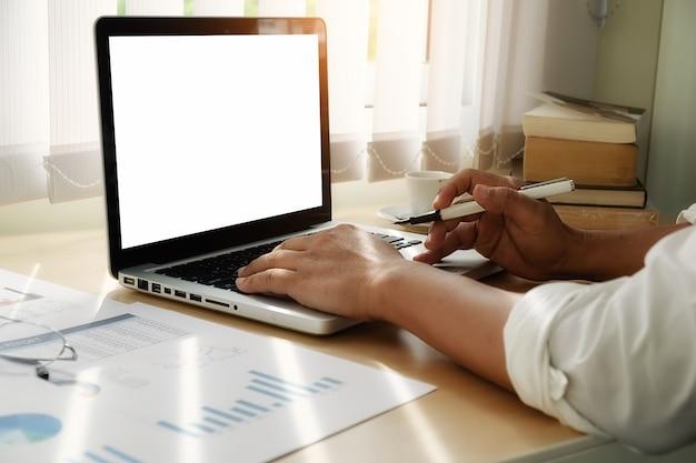 Calcolatore gestione successo bancario tecnologia reddito