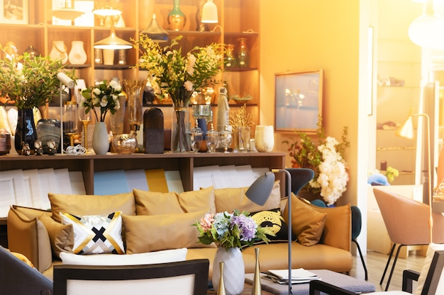 Caldo e accogliente design in stile soggiorno