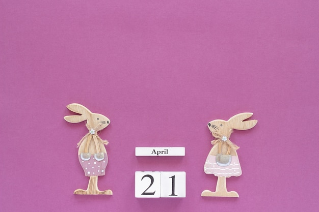 Calendario dei cubi di legno 21 aprile
