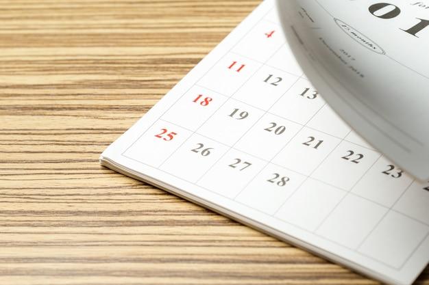 Calendario sul tavolo